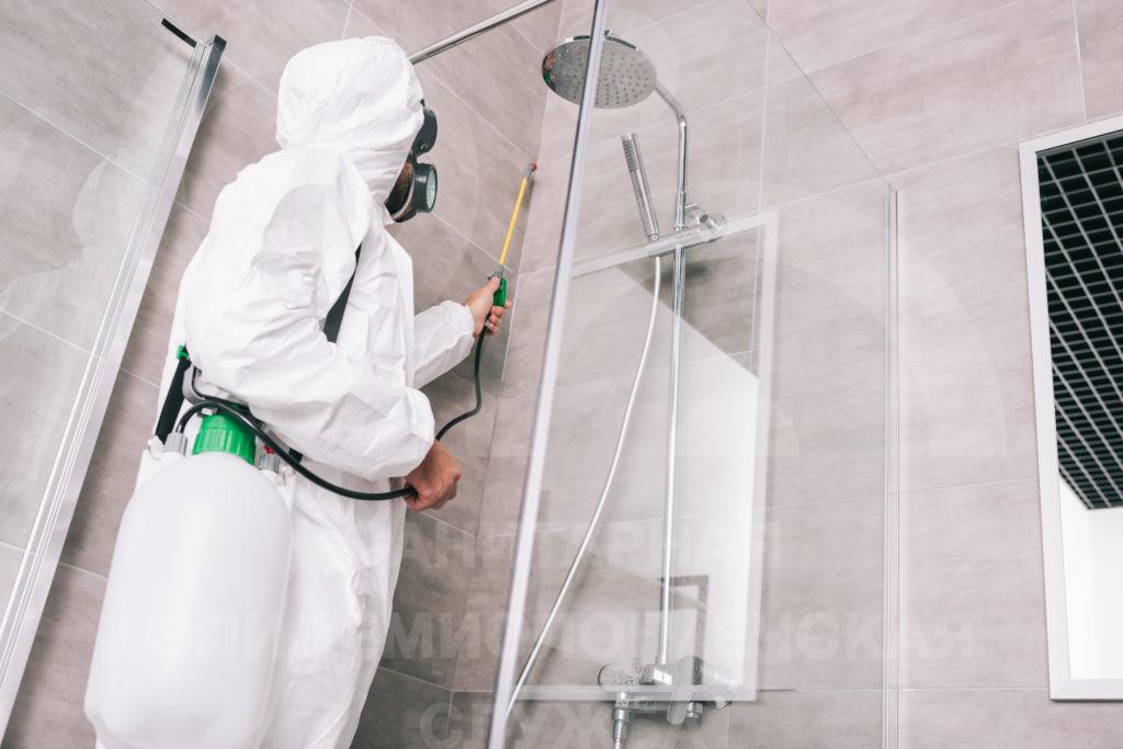 очищение ванной комнаты
